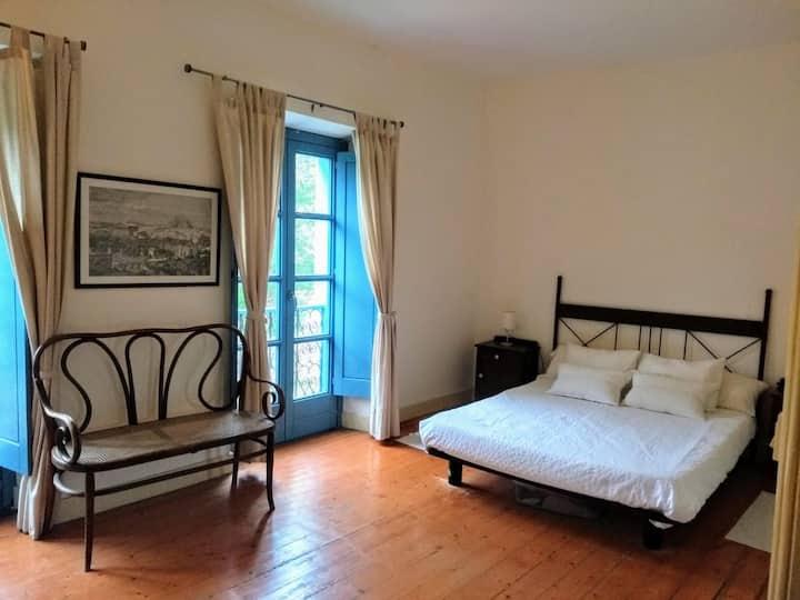 Habitación privada con vestidor. Bilingual owner