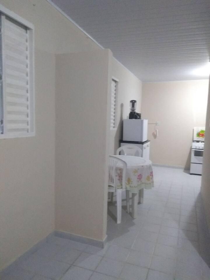 Casa COMPLETA, aconchegante, com ESCADAS, 1o.andar