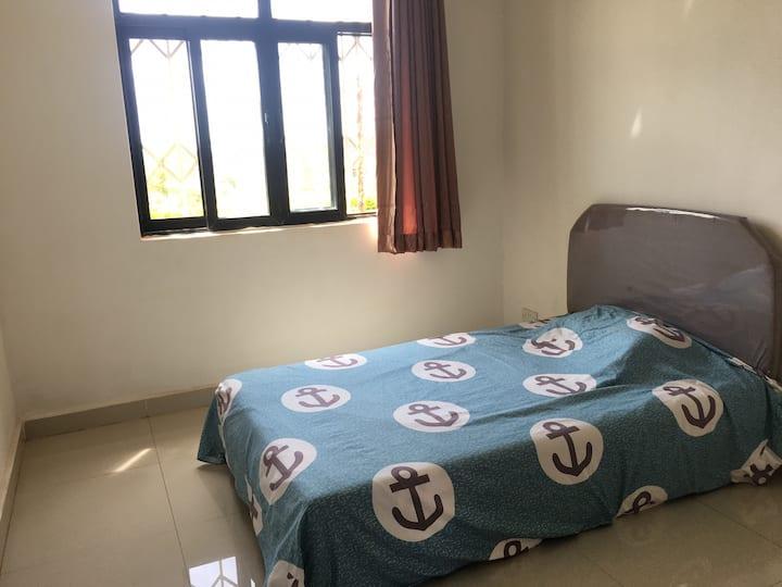 Comfortable Quiet Room in Villa Compound