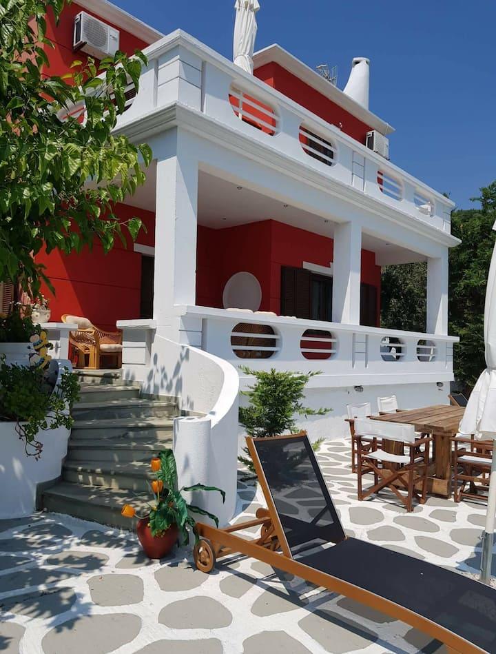 Villa Aspalathus 'red'.