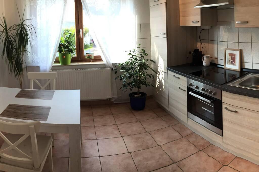 Geräumige Küche - Spacious kitchen