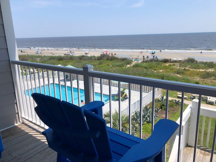 Coast Awhile in OIB-Oceanfront 2 Bed/2 Bath Condo
