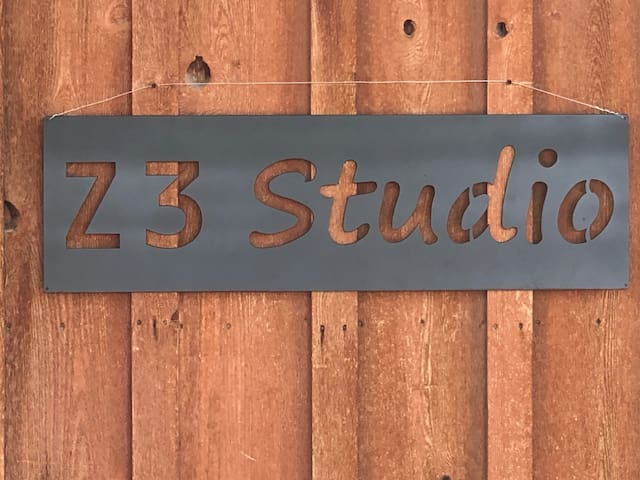 Brand new private studio between Cody&Powell