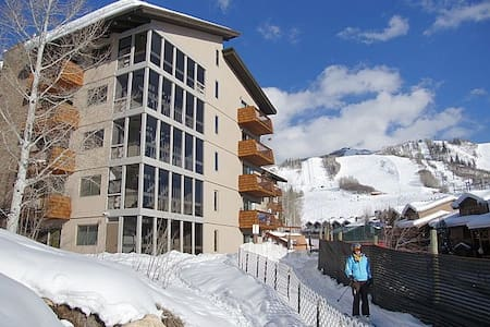 Unique & Beautiful! Ski-In Condo on Slopeside - Steamboat Springs