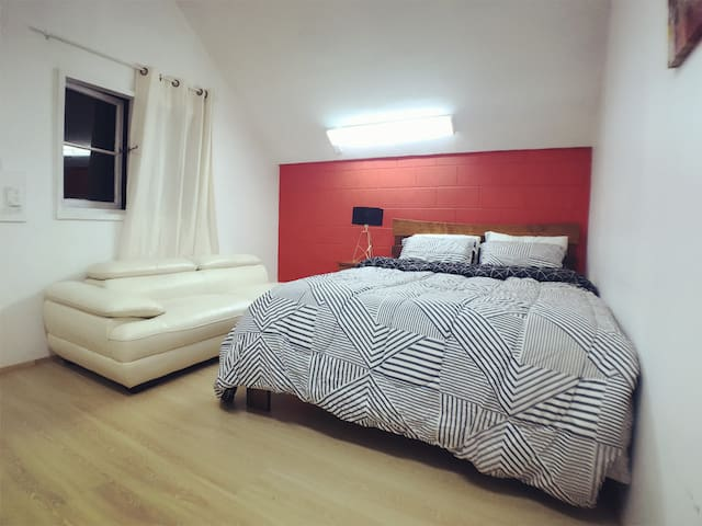 Economy double bedroom & spacious with on suite