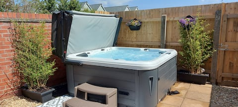 Property with Hot Tub in stunning coastal village