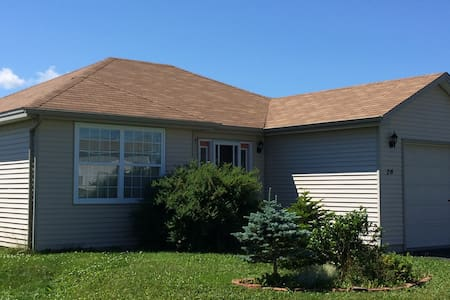 Bright and spacious house - Mount Pearl