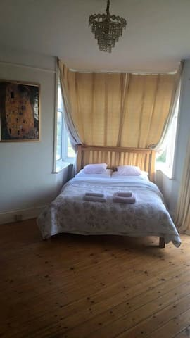 Double bedroom, free parking & stunning views - Brighton - Apartment