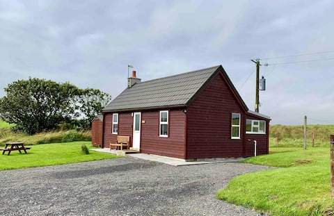 Unique charming cottage with Orkney themed rooms