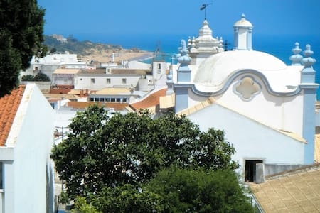 Comfy Cozy Sea View Apt Old Town Albufeira Center - Albufeira - Wohnung