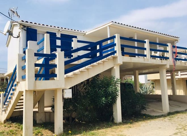 Gruissan-plage Appartement bas de chalet terrasse