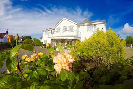 Deluxe Room at Vazon Bay, Guernsey - Hus