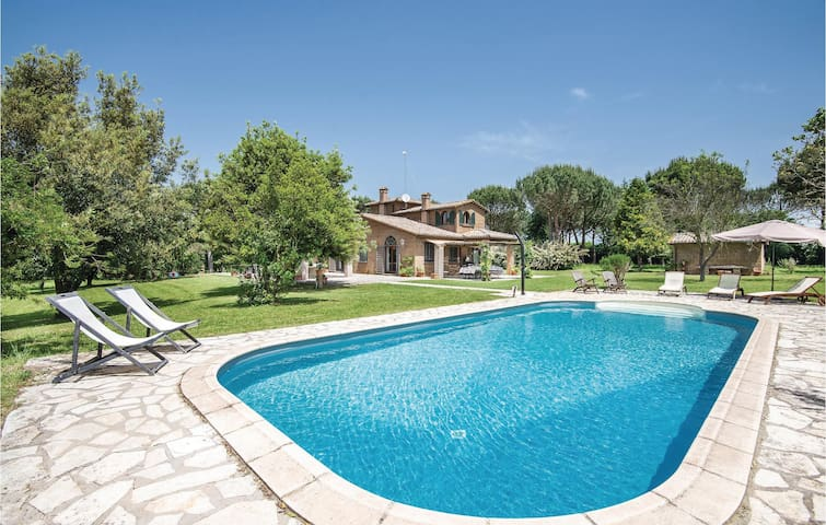 Holiday cottage with 4 bedrooms on 300m² in Capranica -VT-