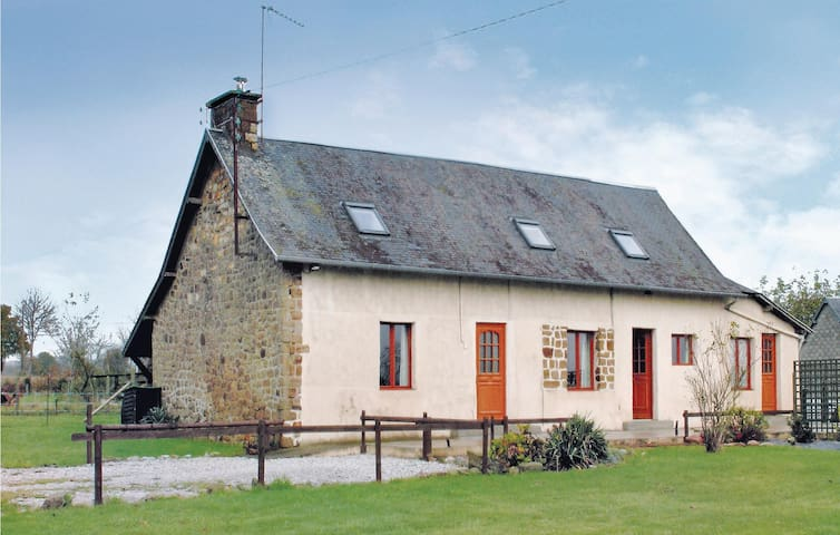 Holiday cottage with 2 bedrooms on 90 m² in Romagny