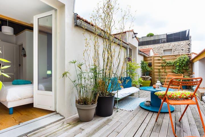 Appartement Parisien, terrasse ensoleillée