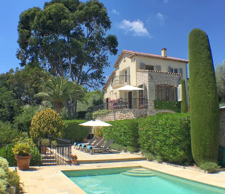 Luxury villa in Mougins with private heated pool.