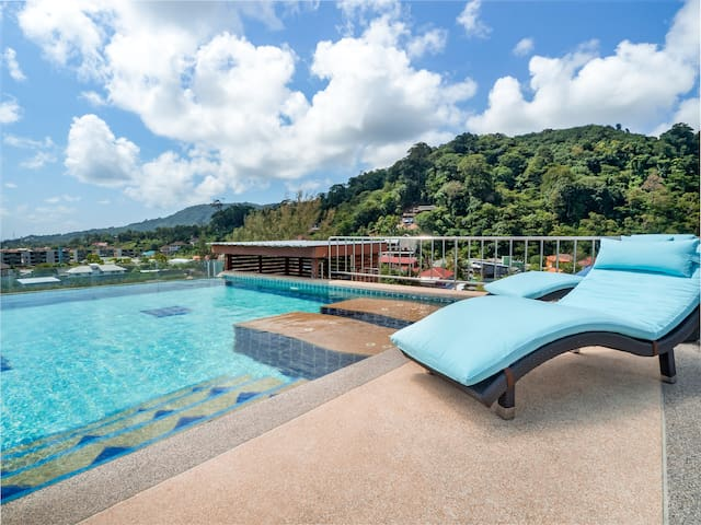 3 BDR Penthouse with Private Pool 10 Min to Beach