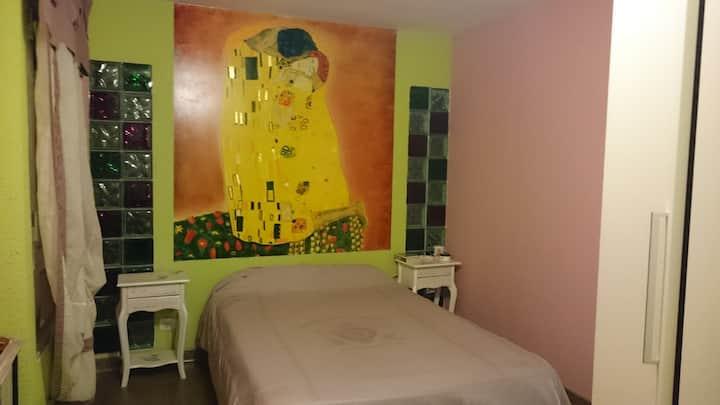 Habitación doble en apartamento