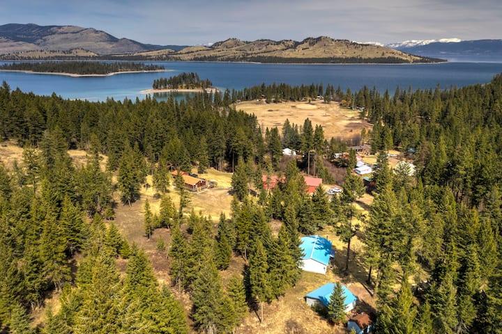 Clear Creek Blue Cabin w/ lake access & 9 acres!