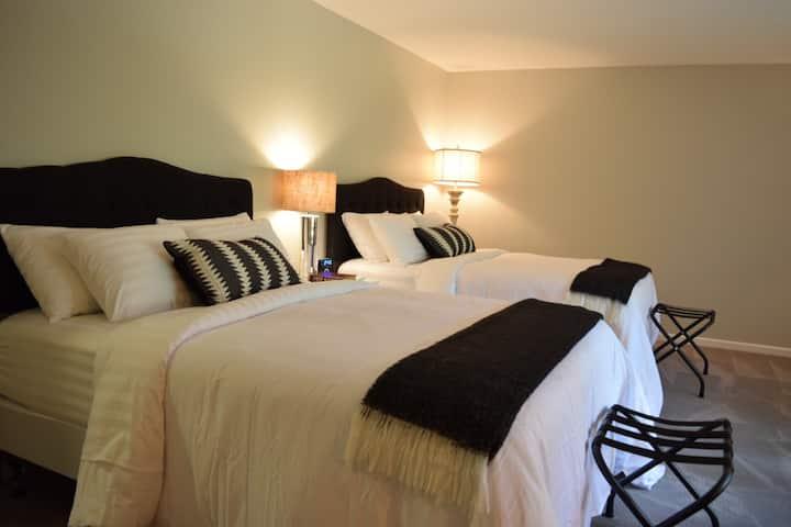 Eagles Rest Bed & Breakfast (room 1) Near Clemson!