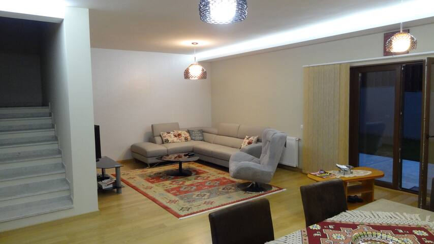 Frank's family friendly place - Cluj-Napoca - Huis