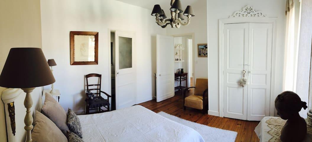 Chambre cosy dans maison de maître - Moissac - Ev