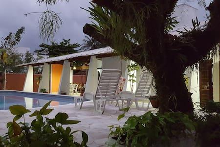 BELÍSSIMA CASA a 100 mts da Praia de Barequeçaba - San Sebastian - Rumah