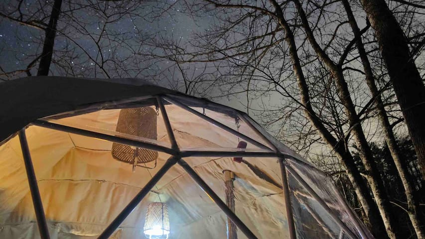 Heated TREEHOUSE DOME on Creek w/ Cargo Nets BOONE