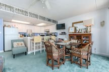 Sea Gate 810 - Dining Area and Kitchen