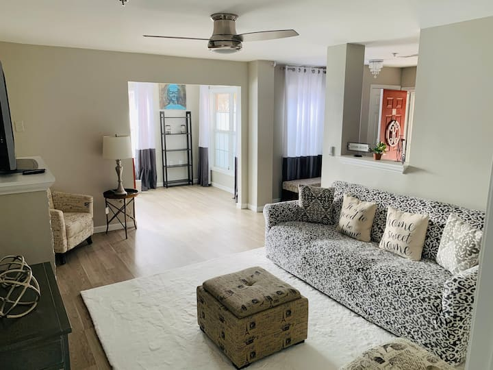 Condo near RTP and airport/Ideal for Long Stays!