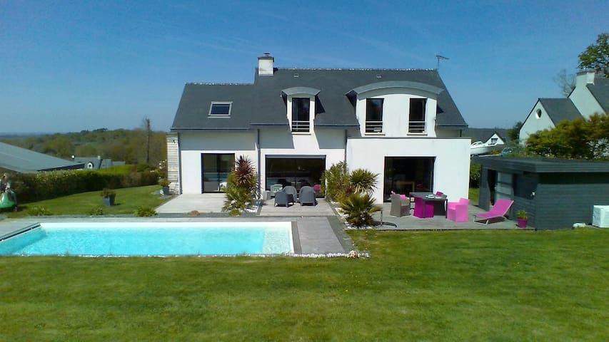 Villa à 10 min des plages et du centre de Quimper - Saint-Évarzec - Villa