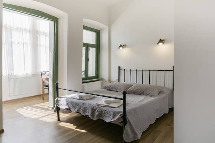 G-vineria Old Town Apartment 2