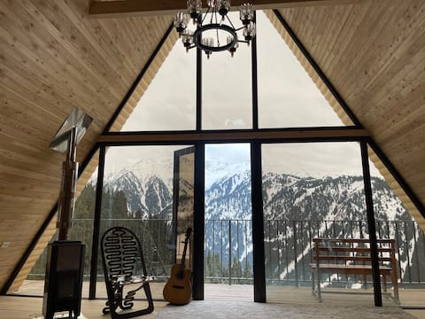 Mountain Cottage with Views 2K m. above sea level