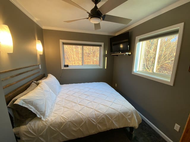 Brand new Queen Bed & Mattress in Bedroom.  Views of Sugar Ski slopes and mountain bikers.