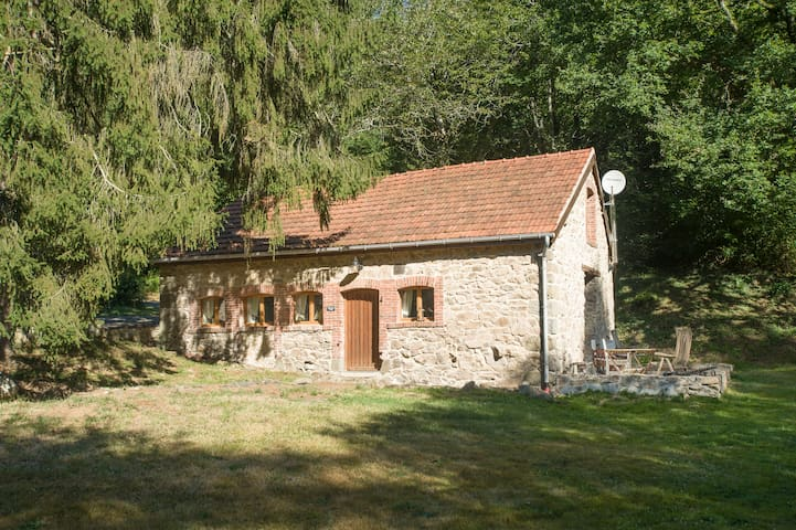 Fisherman Cottage ideal for couples very peaceful - Saint-Priest-la-Feuille - Gästhus