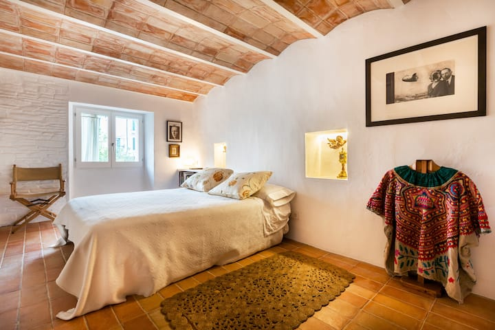 Charming and recently renovated house in Cadaques