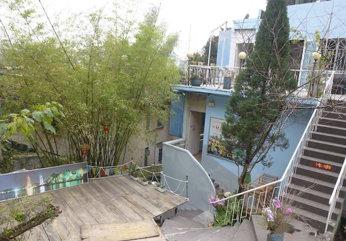 市中心,螺蛳山下,桂湖边,绿树从中的世外桃源。 - Guilin
