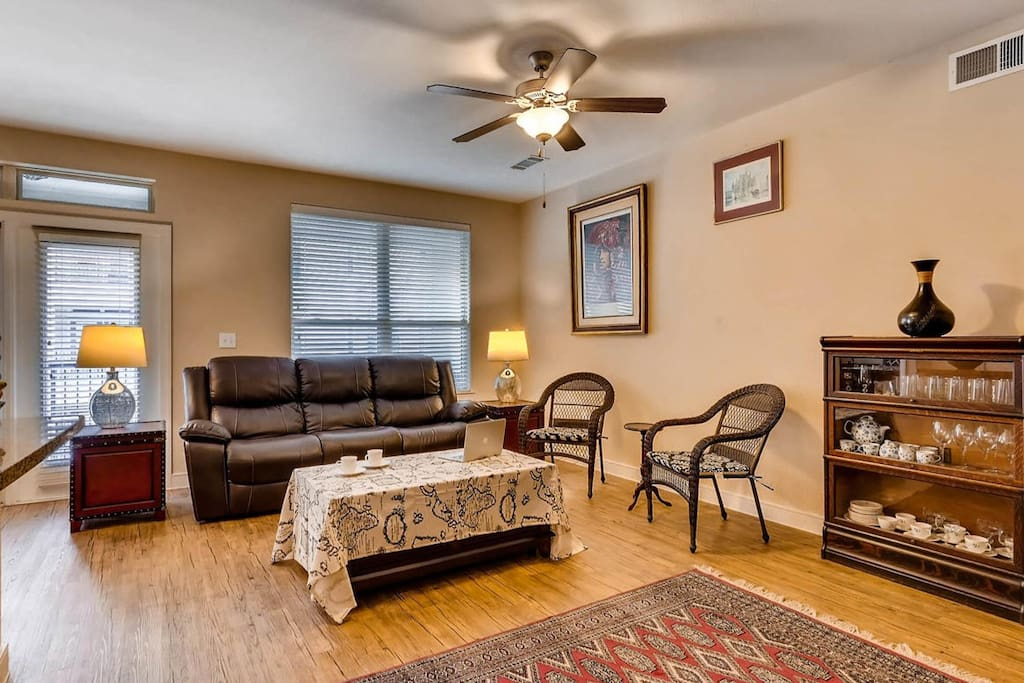 Relaxing living room with plenty of light and space. High-Speed Fiber WiFi included.