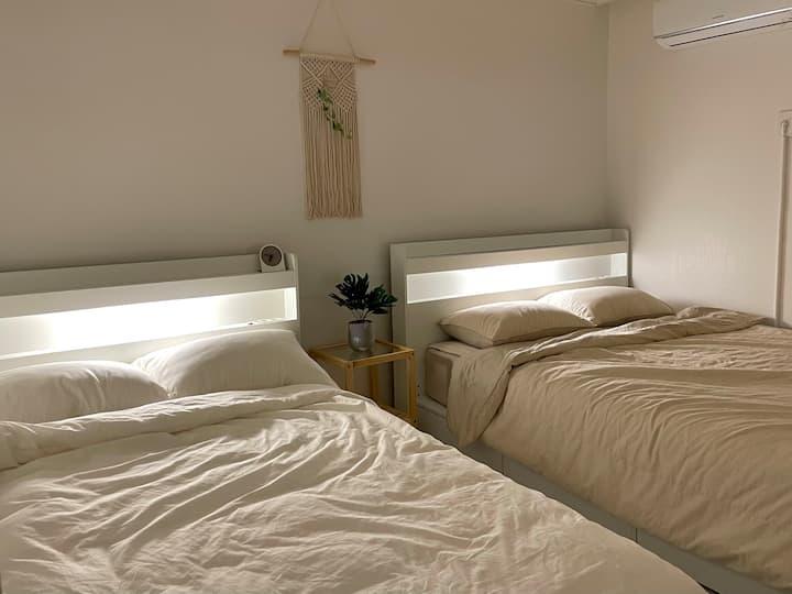 ★ Clean & Cozy Stay (Nearly Hongdae, Gangnam) ★