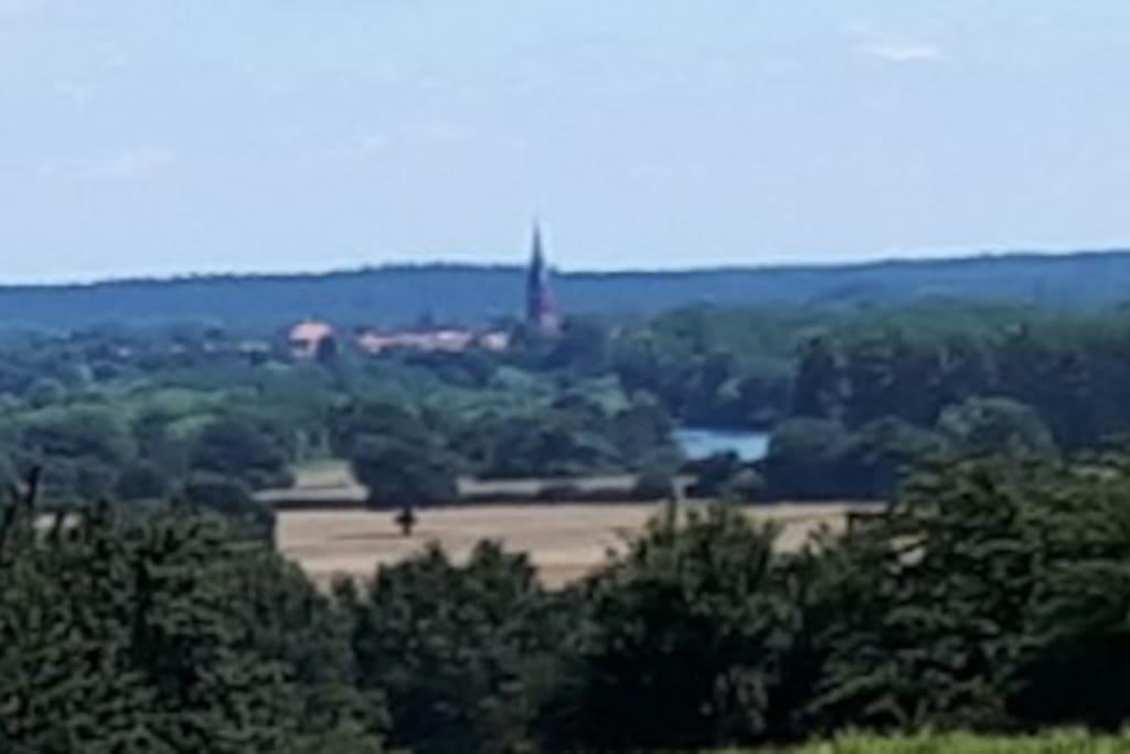 Fernblick in die Wesermarsch bis zum Nienburger Kirchturm