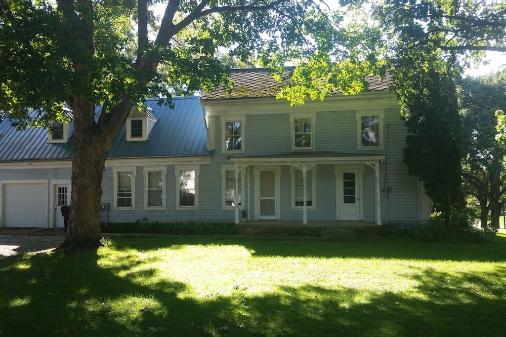 1842 Farm house on 1 1/4 acre