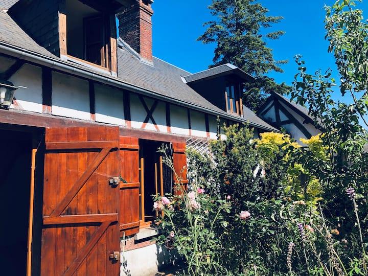 Superbe maison avec jardin 1h10 de Paris.