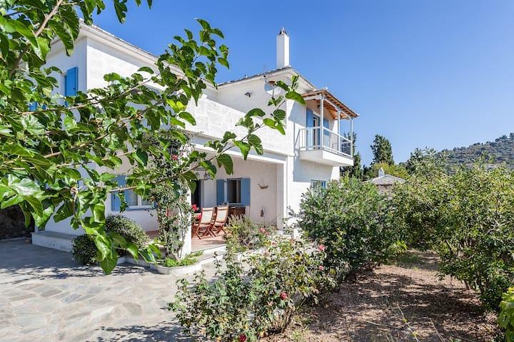 Villa Atheatos in Glossa, Skopelos
