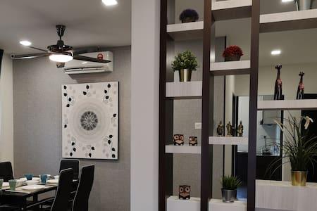 11 Pax 5 Rooms Spacious Cozy House @ MANSION PARK