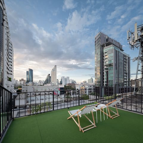 Contemporary private capsule suite  up to 6 person - Bangkok - Hostel