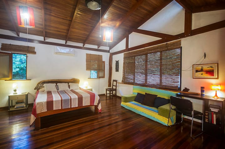 BuenaOnda The Loft (Jaco Beach Best Location)