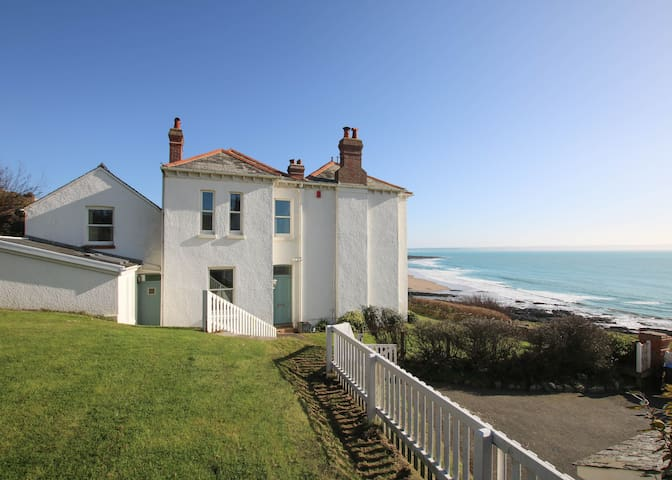 The White House   5 Bedroom House   Croyde