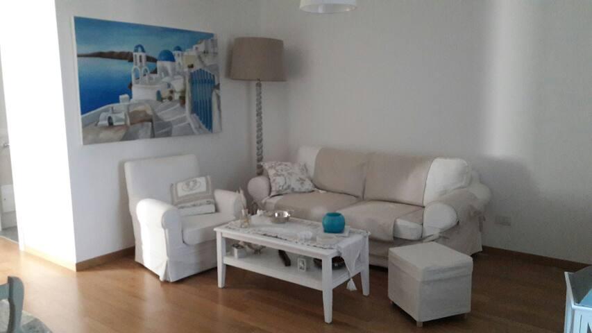 Giovinazzo Selly&Giuly home a pochi passi dal mare - Giovinazzo - Maison