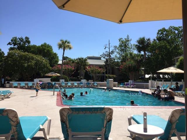 Hilton Head Island, Luxury Condo at The Players Club (A454)