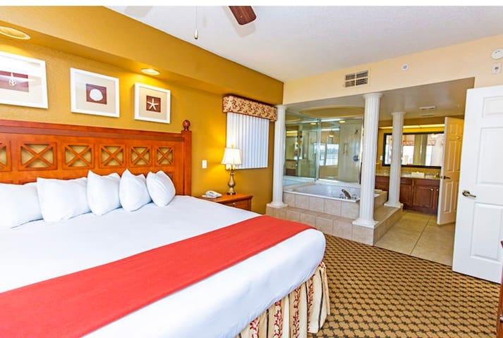 Resort in Orlando getaway close to Disney!